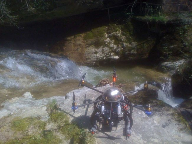 drone_gorges